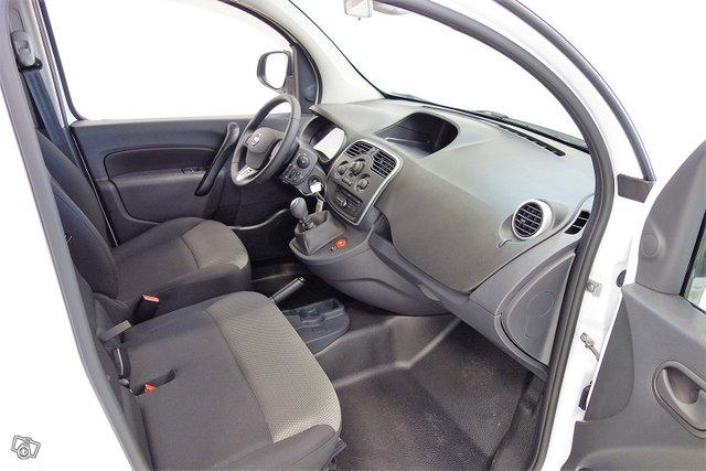 Nissan NV250 14