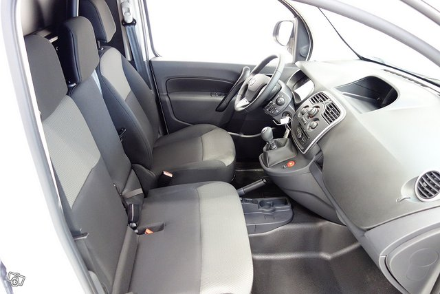 Nissan NV250 15