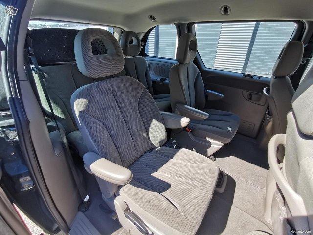 Chrysler Voyager 12