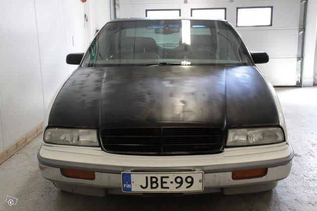 Buick Regal 2