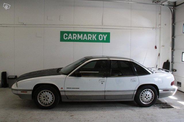 Buick Regal 3