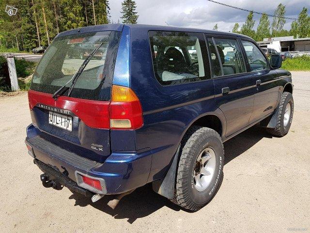Mitsubishi Pajero Sport 7