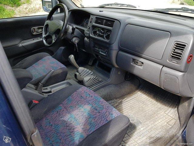 Mitsubishi Pajero Sport 12