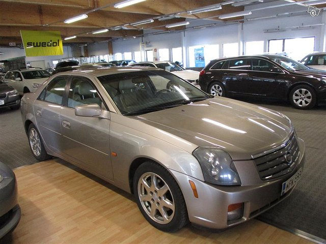 Cadillac CTS 7