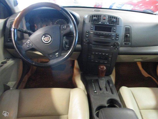 Cadillac CTS 10
