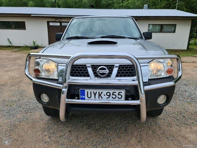 Nissan Pickup 7