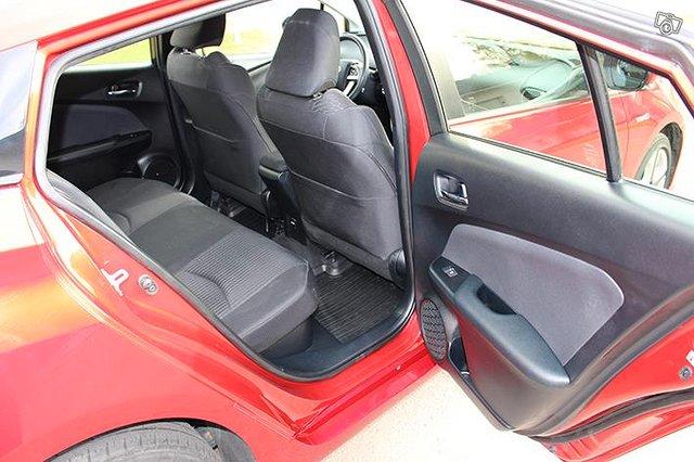 Toyota Prius 14