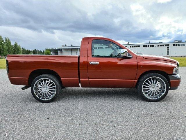 Dodge Ram 1500 2