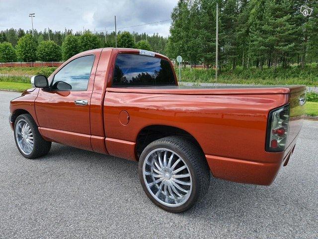 Dodge Ram 1500 5