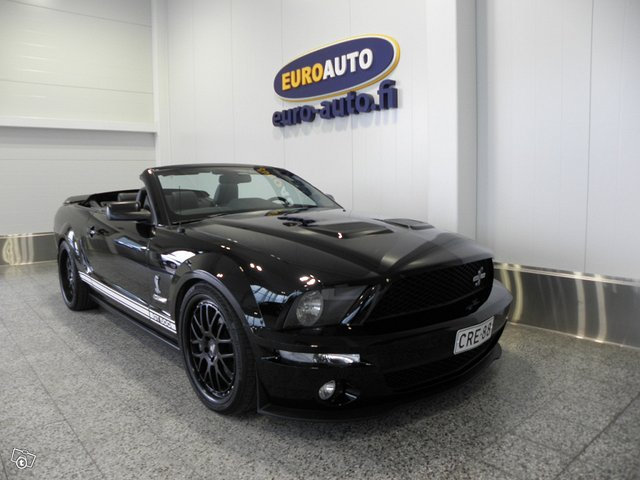 Ford Mustang 4