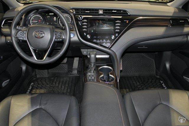 Toyota CAMRY 5