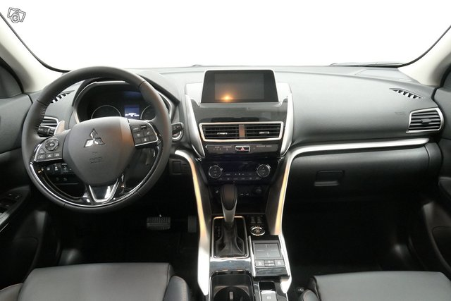 Mitsubishi ECLIPSE CROSS 12