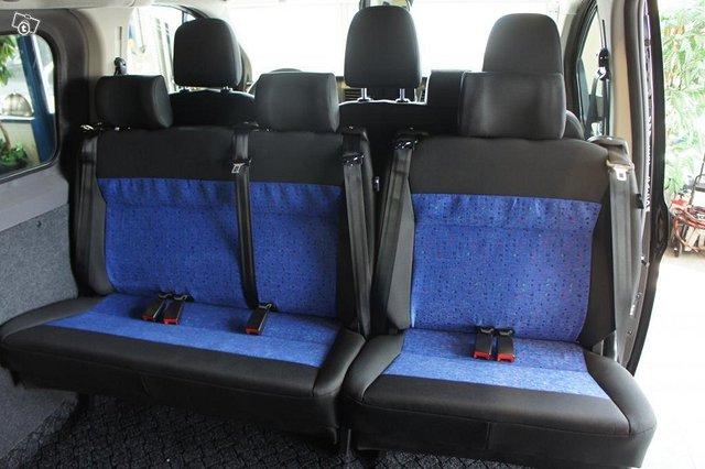 Ford Transit Custom 6