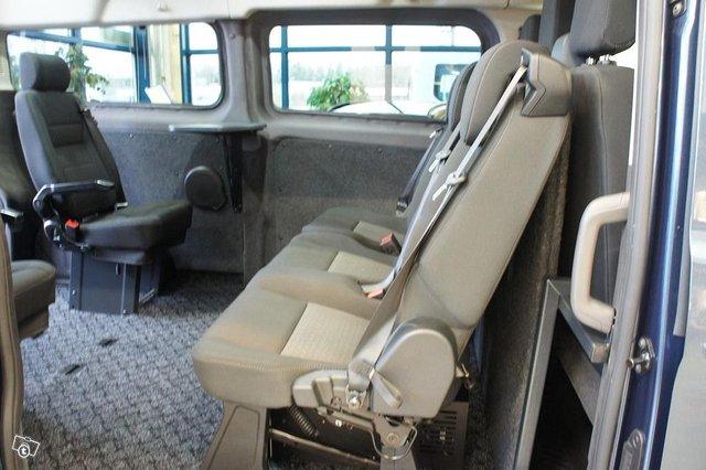 Ford Transit Custom 8
