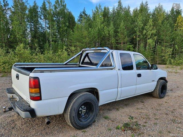 Chevrolet Silverado 6