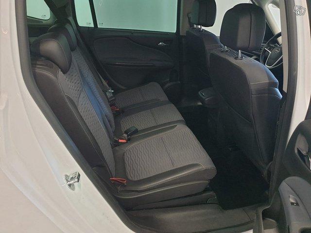 Opel Zafira Tourer 8