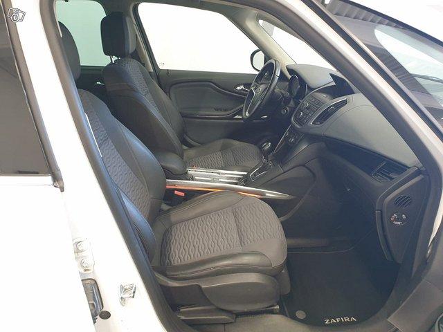 Opel Zafira Tourer 9