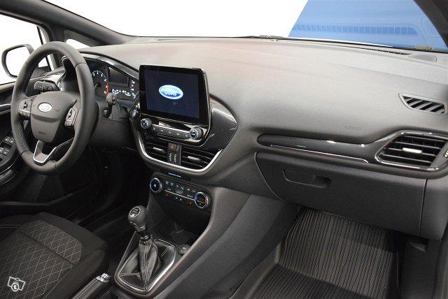 Ford Fiesta 9