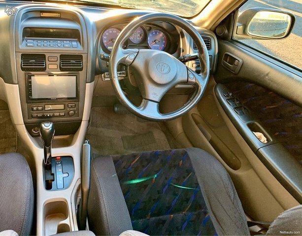 Toyota Caldina 8
