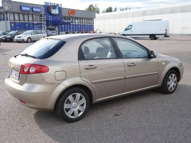 Chevrolet LACETTI 3