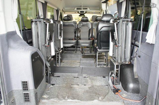 Ford Transit 14