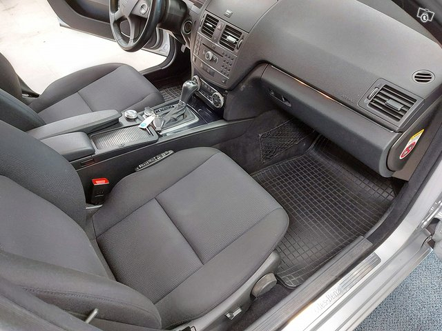 Mercedes-Benz C 200 CDI 12