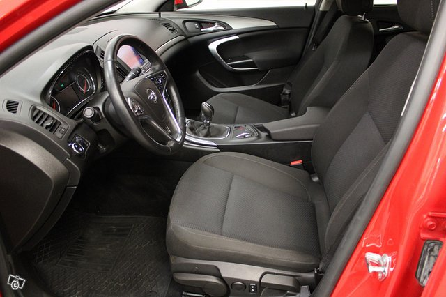 Opel INSIGNIA LIMOUSINE HB 7