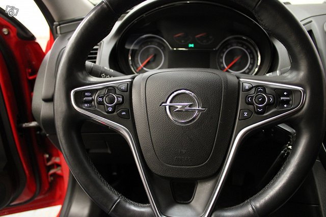 Opel INSIGNIA LIMOUSINE HB 11