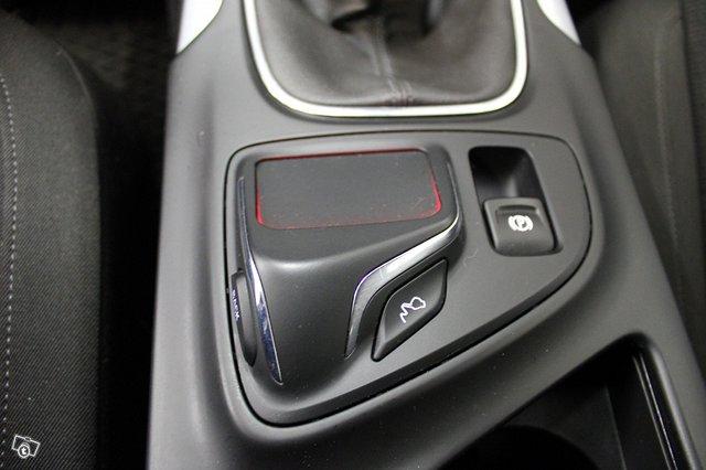 Opel INSIGNIA LIMOUSINE HB 12
