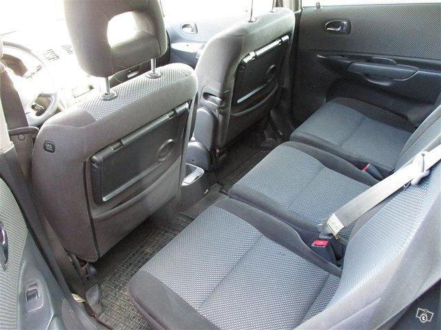 Mazda Premacy 10