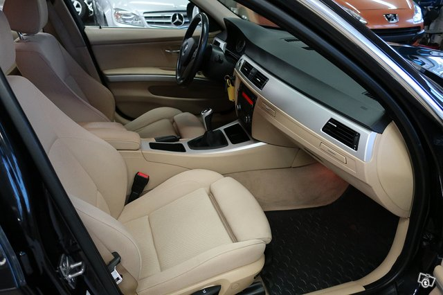 BMW 325i 6