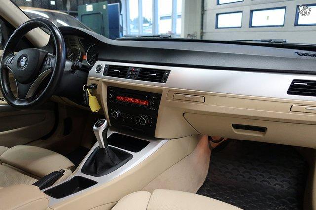BMW 325i 8