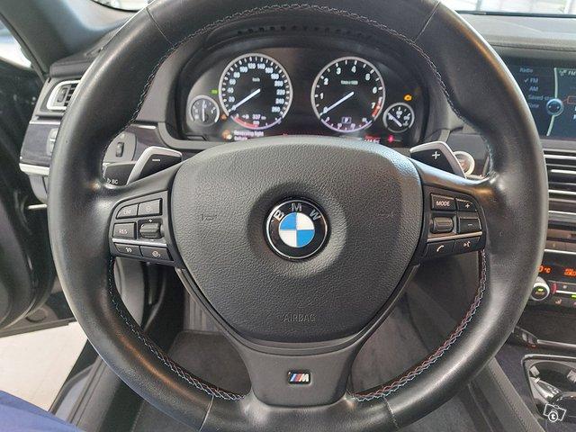 BMW 750 17
