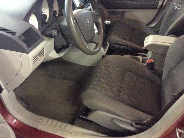 Dodge Caliber 6