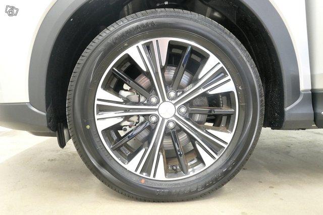 Mitsubishi ECLIPSE CROSS 13