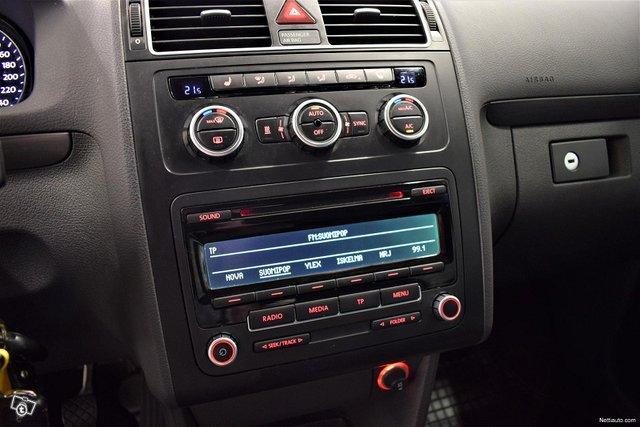 Volkswagen Touran 13