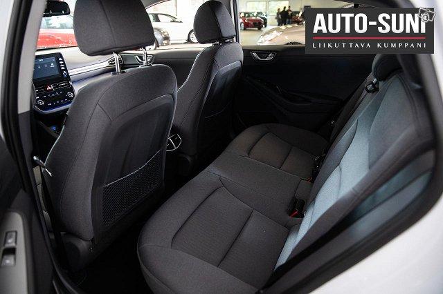 Hyundai IONIQ Hybrid 14