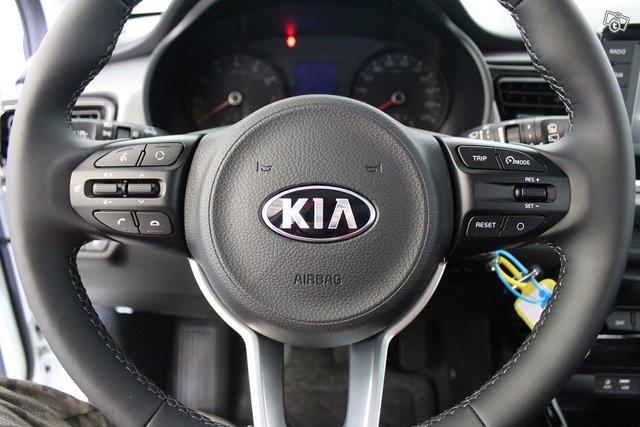 Kia Rio 8