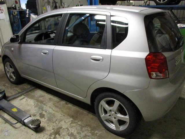 Chevrolet Kalos 4