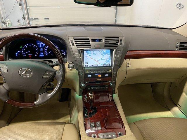 Lexus LS600 Lh 9