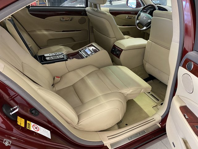 Lexus LS600 Lh 11