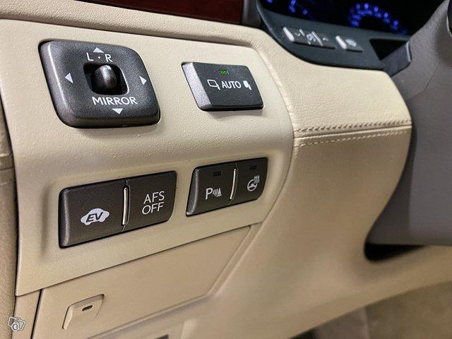 Lexus LS600 Lh 14