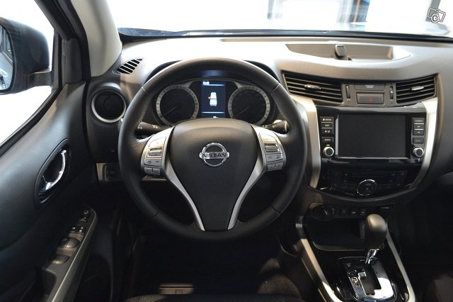 Nissan Navara 10