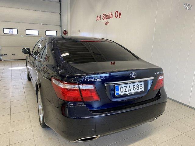 Lexus LS600h 5