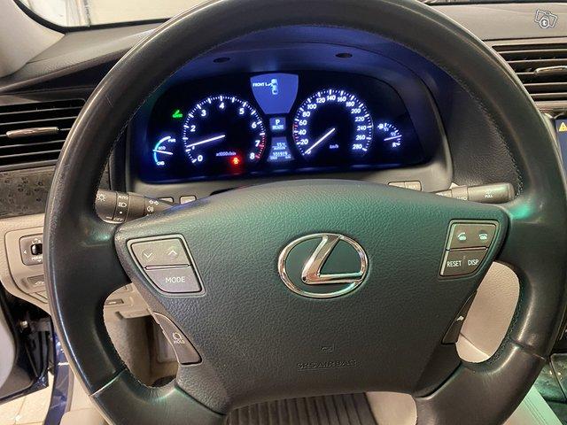 Lexus LS600h 6