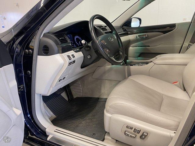 Lexus LS600h 7