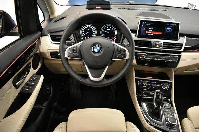BMW 220 7