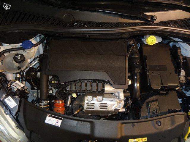 Peugeot 208 13