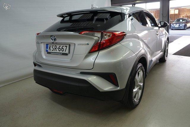 Toyota C-HR 3