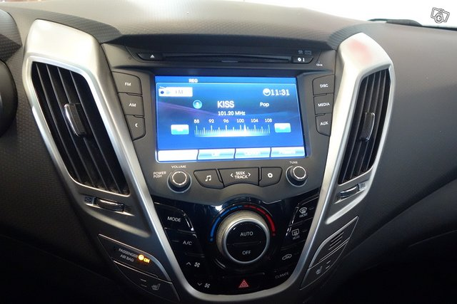 Hyundai VELOSTER 18